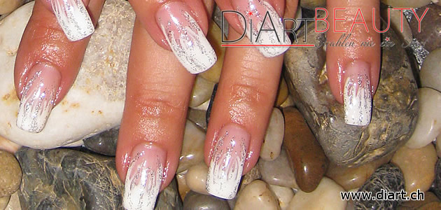 flammen french flame nails white & silver